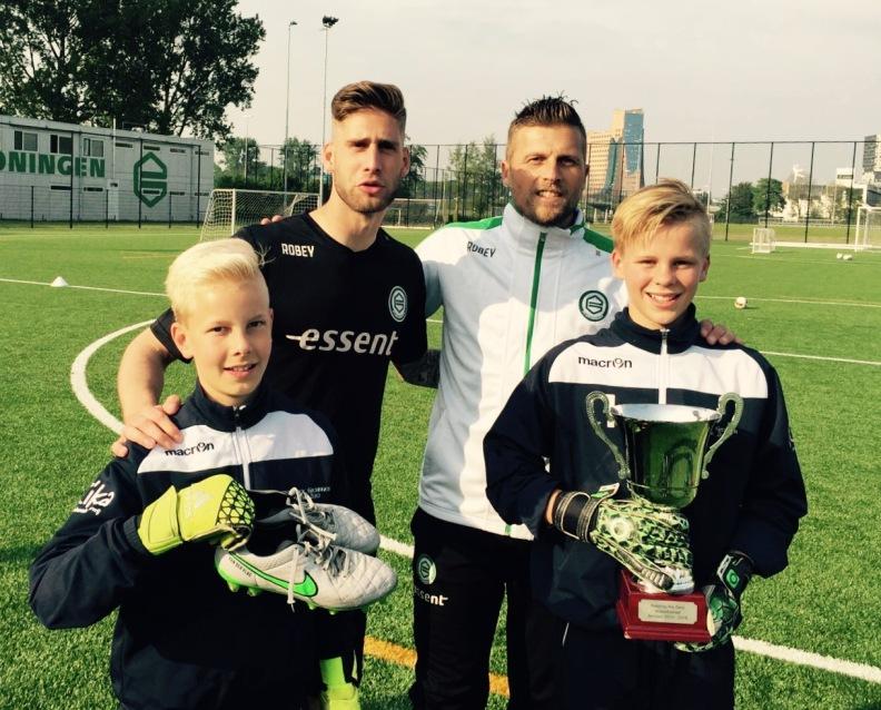 Leon Oldersma (GRC Groningen), Cas Schipper (Bedum) samen met Stefan van der Lei , Peter van der Vlag (FC Groningen)